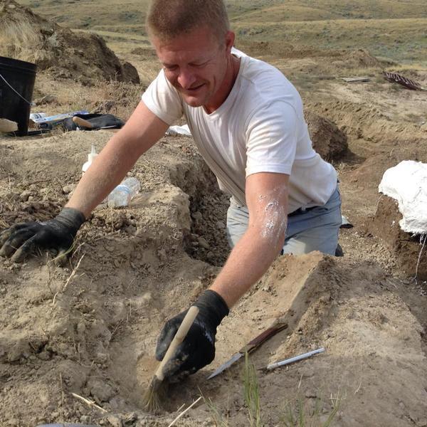 sander aan het graven