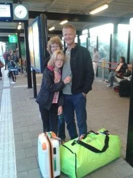 Sander neemt afscheid op het station