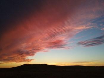 rode zonsondergang boven de black hills
